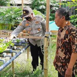 Kapolsek Rastim Tinjau Kampung Sehat Di Rabadompu Barat