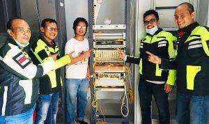 GM Witel NTB Cek Perangkat Telkom dan Tanam Mangrove di Kolo