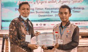 Fajrin, Fasilitator La Rimpu Raih Penghargaan The Best Innovation Delegation