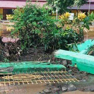 Diterjang Banjir, Tembok Pagar SDN Rada Rubuh