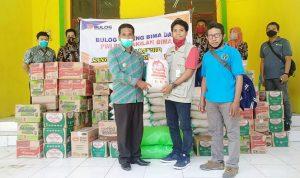 Bulog Bima bersama PWI Bantu Korban Banjir di Kecamatan Sanggar