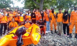 FTSB Bersama POS SAR Bima Pengamanan di Pantai Kolo