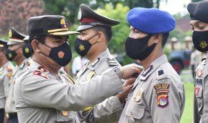 87 Anggota Polres Bima Kota dan Brimob Naik Pangkat