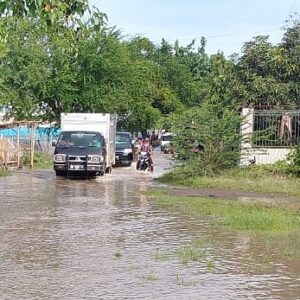 Hujan Lebat, Air Menggenangi Wilayah Perbatasan Cenggu dan Tente