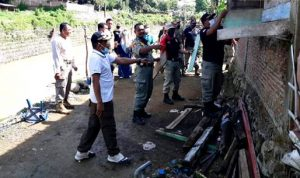 Program Kawasan Ratu Raga Mantika Berjalan, Dinas Perkim Bongkar Rumah Warga di Bantaran Sungai