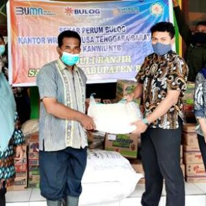 Bulog Bima Distribusi Bantuan Banjir Sanggar Tahap 2