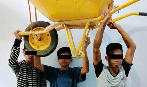 Curi Kereta Dorong, 3 Pemuda Kolo Diamankan Babinsa dan BKTM