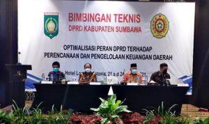 Luar Biasa, LPPM STISIP Mbojo Bima Gelar Bimtek Penguatan Kapasitas Anggota dan Pimpinan DPRD