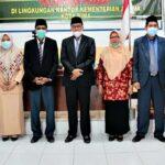 Foto bersama Kepala Kemenag Kota Bima H Ahmad Taufik bersama 4 pejabat fungsional yang dilantik