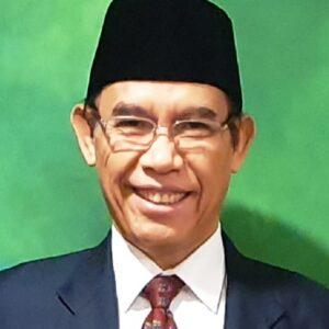 Prof Ahmad Thib Raya Peroleh Pin Emas UMI Makassar