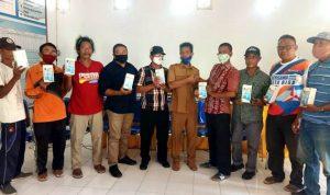 Kelurahan Tanjung Salurkan Bantuan Handphone Android untuk RT