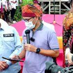 Mentri Pariwisata dan Ekonomi Kreatif RI Sandiaga Salahuddin Uno mengunjungi Uma Lengge di Wawo