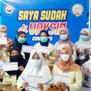 Cegah Penyebaran Covid-19, 105 Mahasiswa Akbid Divaksin