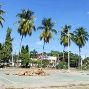 Ngeyel Berolahraga dan Melanggar Prokes, Pol PP Timbun Lapangan Voli