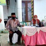 Reses anggota DPRD Kota Bima Dapil II Taufik HA Karim dan Hj Ipa Suka di halaman Kantor Lurah Manggemaci Kecamatan Mpunda