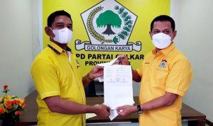 Alfian Terima SK Kepengurusan DPD II Partai Golkar Kota Bima 2021-2026