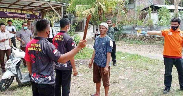 Polisi Gelar Rekonstruksi Pembunuhan Pegawai DLH Kota Bima Hasanuddin