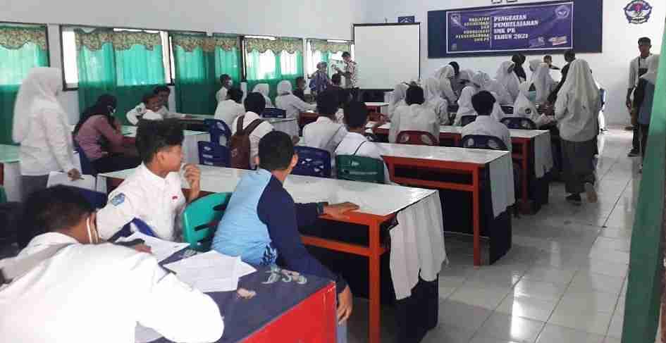 350 Siswa SMKN 3 Kota Bima Divaksin Covid-19