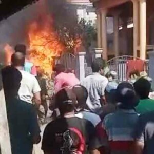 Diduga Arus Pendek, Kios dan Pom Bensin Mini di Wera Terbakar