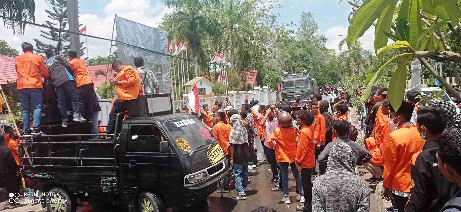 Aksi Hari Tani Nasional, Mahasiswa STISIP Bersitegang dengan Polisi
