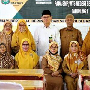Kunjungi Sekolah, Baznas Salurkan Bantuan Beasiswa dan Musholla