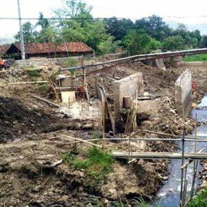 Pekerjaan Jembatan Rabasalo Lamban, Ekonomi Lumpuh, Pemerintah dan Dewan Diminta Bersikap