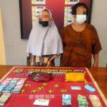 LS dan SM warga Kelurahan Sarae yang diamankan karena diduga menjual Obat Tramadol
