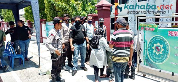 Sidang Agenda Tuntutan Kasus Tracking Mangrove, Polisi Siaga di Pengadilan