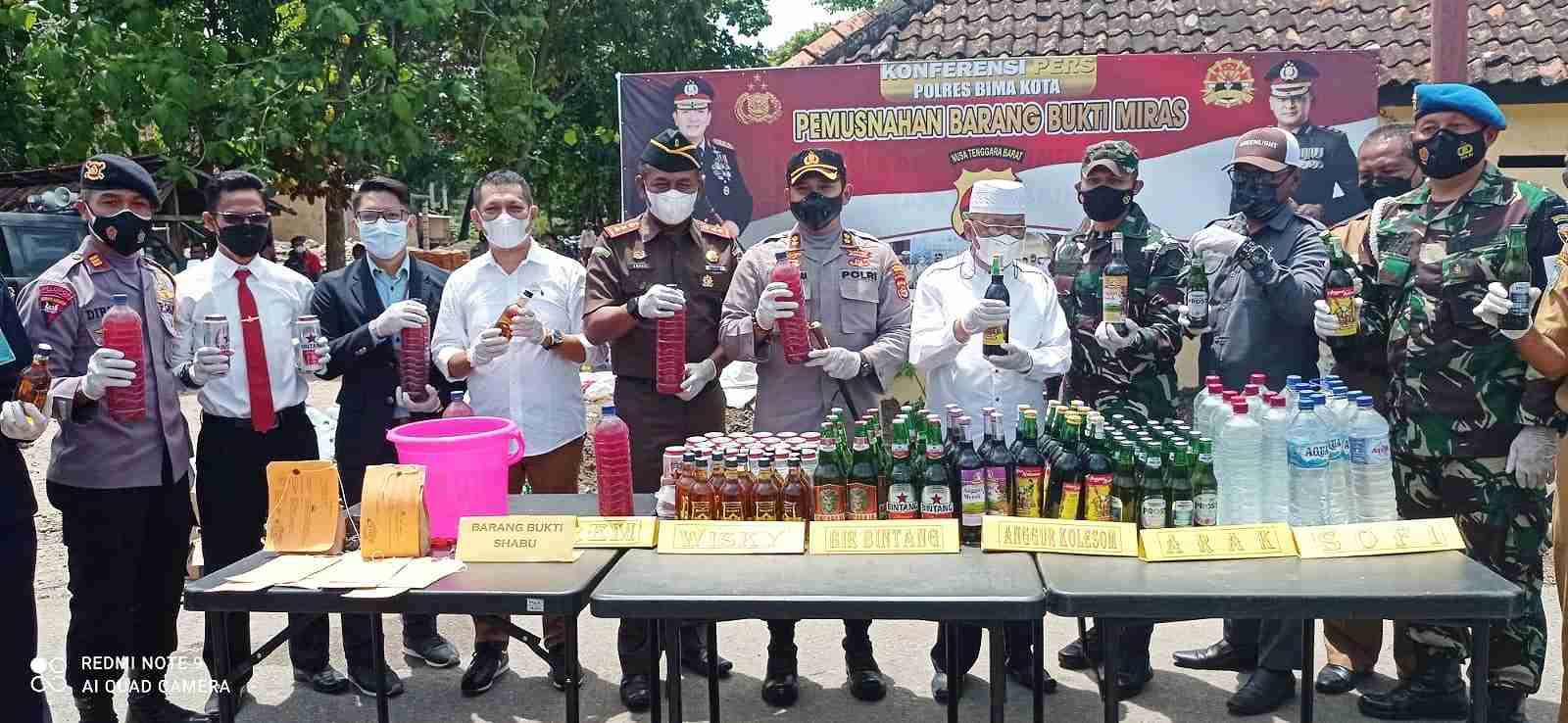 Polres Bima Kota Musnahkan Miras dan Narkotika