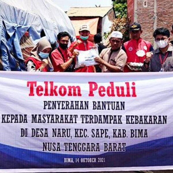 Telkom NTB dan Mitra Telkomgrup Salurkan Bantuan Rp 28 Juta untuk Kebakaran di Sape